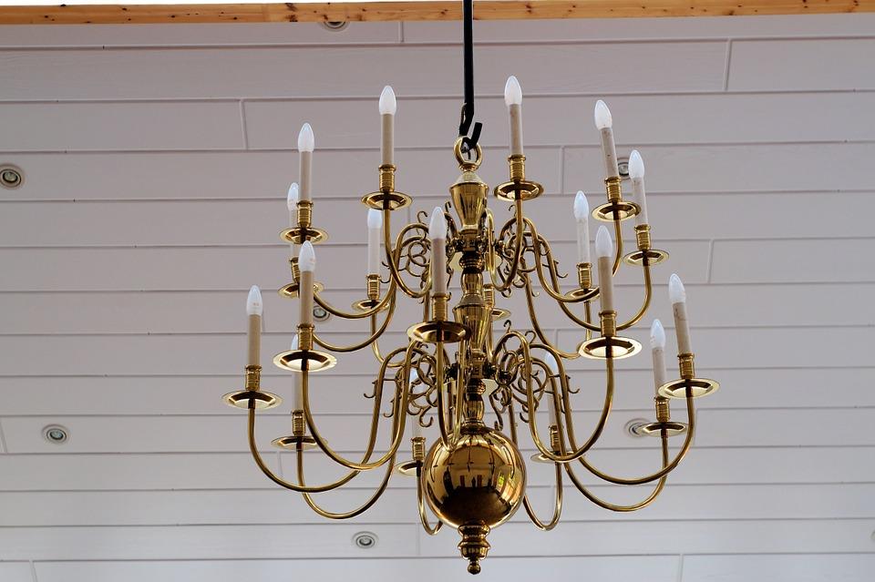 chandelier-gold