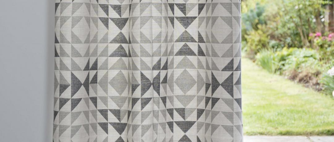 curtains-geometric